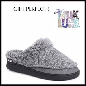 MUK LUKS COZY FAUX FUR LINED SLIPPERS BOOTIES A2C